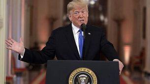 الرئيس الأمريكي دونالد ترامب يتحدث خلال مؤتمر صحفي في الغرفة الشرقية للبيت الأبيض، في واشنطن، 7 نوفمبر، 2018. (Evan Vucci/AP)