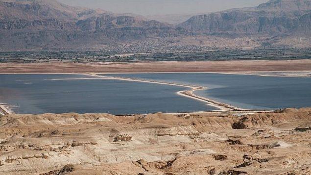 منظر للبحر الميت في جنوب إسرائيل، في 18 أكتوبر، 2017. (Yaniv Nadav/Flash90)