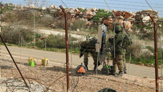 جنود اسرائيليون يزرعون اجهزة بالقرب من بلدة ميس الجبل في جنوب لبنان، 5 ديسمبر 2018، بحسب تنظيم حزب الله اللبناني (Hezbollah Military Media)