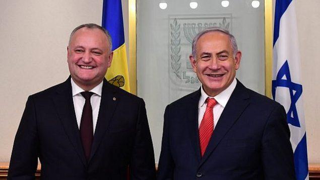 رئيس الوزراء بنيامين نتنياهو يستضيف الرئيس المولدوفي إيغور دودون في أول زيارة له لإسرائيل، 18 ديسمبر 2018. (Kobi Gideon / GPO)