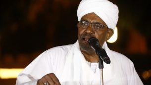 الرئيس السوداني عمر الشير يقدم خطاب في القصر الرئاسي في الخرطوم، 3 يناير 2019 (Ashraf Shazly/AFP)