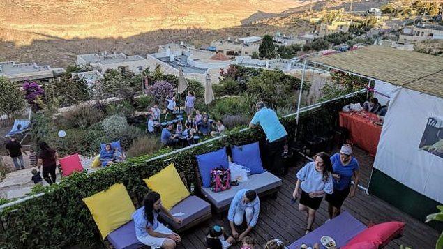 منزل لويس فينغر في مستوطنة تقوع في الضفة الغربية، الذي تم استئجاره عن طريق  استخدام موقع Airbnb الإلكتروني. (Meni Lavi)