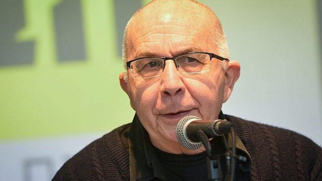 موطي أشكنازي يشارك في مؤتمر صحفي في تل أبيب للإعلان عن إطلاق الحملة الإنتخابية لحزب 'العدالة الاجتماعية'، 13 يناير، 2019. (Flash90)