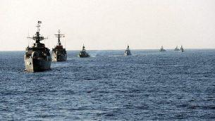 توضيحية: تدريب للبحرية الإيرانية في عام 2011. (CC BY, Mohammad Sadegh Heydari, Wikimedia Commons)