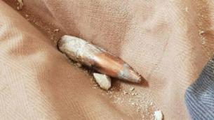 رصاصة اصابت مبنى في نيتسانا، على ما يبدو اطلقت من مصر، 20 ديسمبر 2018 (Courtesy)