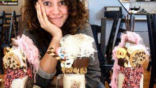 آية مصاروة داخل مقهى في ملبورن، 1 اكتوبر2018 (Instagram)