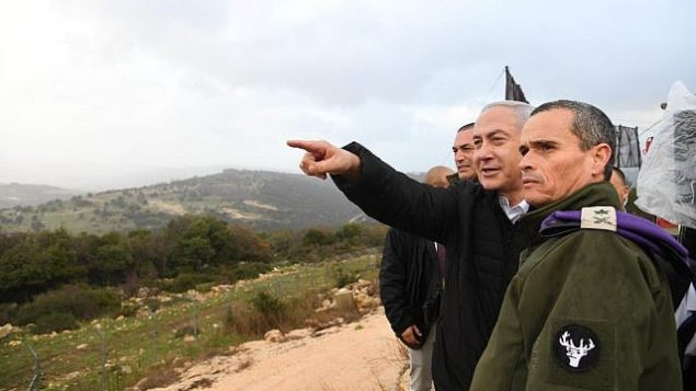 رئيس الوزراء بينيامين نتنياهو يقوم بجولة في شمال إسرائيل، 13 يناير، 2019. (Haim Zach/GPO)