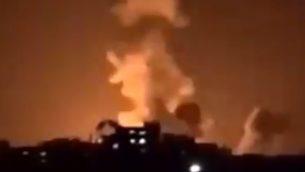 انفجار في شمال قطاع غزة في اعقاب غارات اسرائيلية، 22 يناير 2019 (Screen capture: Facebook)