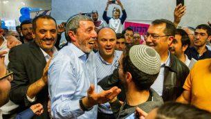 رئيس حزب البيت اليهودي الحاخام رافي بيريتس يصل الانتخابات التمهيدية للحزب في رمات غان، 4 فبراير 2019 (Flash90)