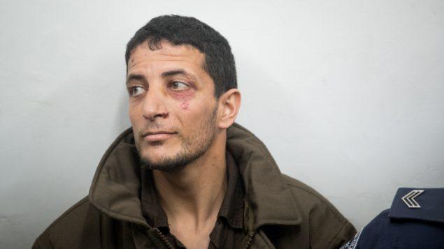 عرفات الرفاعية، المتهم بقتل أوري انسباخر (19 عاما)، في محكمة الصلح في القدس، 11 فبراير 2019 (Yonatan Sindel/Flash90)