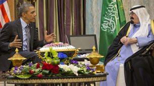 الرئيس الأمريكي باراك أوباما يلتقي بالملك السعودي عبد الله في روضة خريم، السعودية، الجمعة، 28 مارس، 2014.  (photo credit: AP/Pablo Martinez Monsivais)