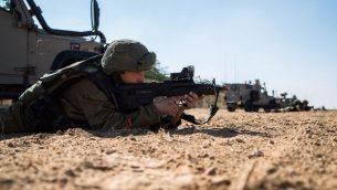 جنود اسرائيليون خلال تدريب عسكري بالقرب من قطاع غزة، 6 ديسمبر 2016 (IDF Spokesperson's Unit)