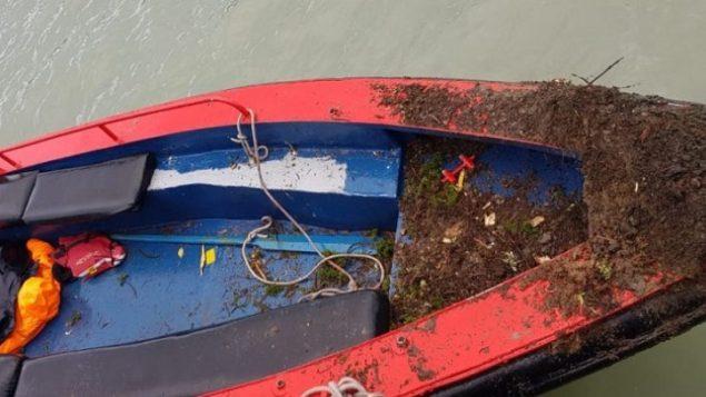 قارب انقلب في منتزه توريس دل باينه الوطني في جنوب تشيلي، ادى الى اصابة 16 اسرائيليا، 23 فبراير 2019 (Chilean Navy via Channel 13 screen capture)