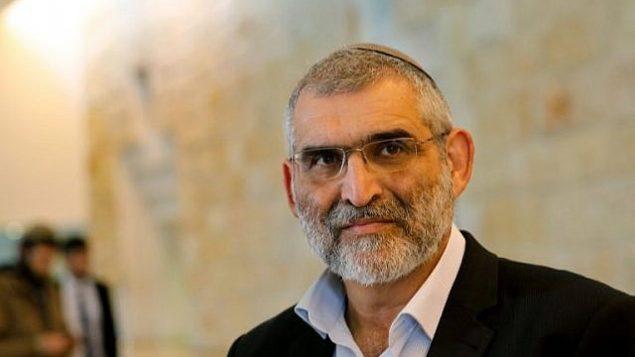 زعيم حزب 'عوتسما يهوديت'، ميخائيل بن آري، يحضر جلسة في لمحكمة العليا في القدس في 14 مارس، 2019، بشأن السماح له بخوض الإنتخابات للكنيست. ( GIL COHEN-MAGEN / AFP)