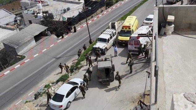جنود اسرائيليون يردون على هجوم طعن مفترض في مدينة الخليل بالضفة الغربية، 12 مارس 2019 (Yediot MeHaShetach)