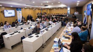 لجنة الانتخابات المركزية في الكنيست، 6 مارس 2019 (Noam Revkin Fenton/Flash90)