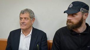 ميكي غانور، الذي تم القبض عليه في قضية الغواصات التي تُعرف أيضا باسم 'قضية 3000'، في محكمة الصلح في ريشون لتسيون، 20 مارس، 2019.  (Flash90)
