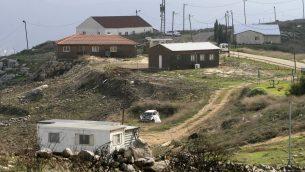 بؤرة لهافا يتسهار الاستيطانية في شمال الضفة الغربية، 15 نوفمبر 2006 (Olivier Fitoussi /Flash90)
