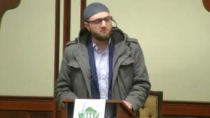 الامام بكر عساف يتحدث في المركز الإسلامي في محافظة باساي في باترسون، نيو جيرزي، 22 فبراير 2019 (MEMRI screenshot)