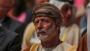 يحضر وزير الخارجية العماني يوسف بن علوي بن عبد الله المنتدى الاقتصادي العالمي للعام 2019 حول الشرق الأوسط وشمال إفريقيا في مركز الملك حسين للمؤتمرات في البحر الميت في الأردن في 6 أبريل 2019. (Khalil MAZRAAWI / AFP)