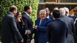 رئيس السلطة الفلسطينية محمود عباس يصل مقر الجامعة العربية في القاهرة، 21 ابريل 2019 (MOHAMED EL-SHAHED / AFP)