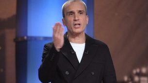 مقدم البرامج الإسرائيلي آفري غلعاد، 2 فبراير، 2011. (Oren Nahshon/Flash 90/File)