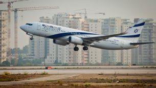 صورة توضيحية لطائرة 'ال عال' تقلع من مطار بن غوريون، 5 اغسطس 2013 (Moshe Shai/Flash90)