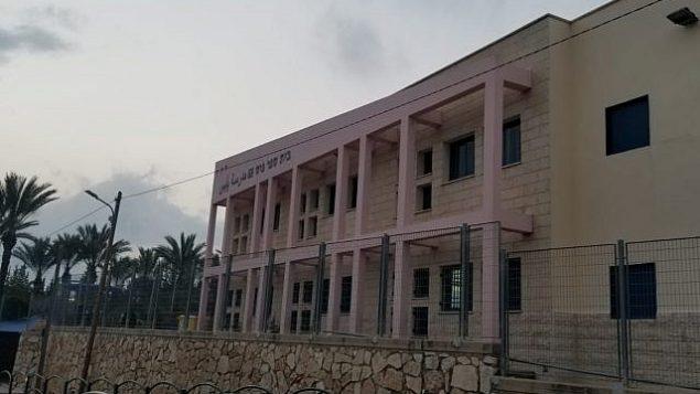 مدرسة ابن سينا في طمرة في 9 أبريل 2019. (Adam Rasgon/Times of Israel)