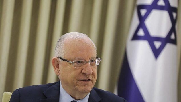 الرئيس رؤوف نريفلين يلتقي بمندوبي الاحزاب في منزل الرئيس في القدس، 16 ابريل 2019 (Noam Revkin Fenton/Flash90)