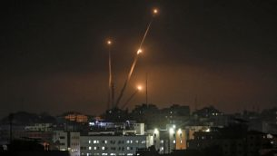 صواريخ تطلق من قطاع غزة باتجاه اسرائيل، 5 مايو 2019 (Mahmud Hams/AFP)