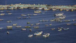 قوارب صيد فلسطينية في البحر الأبيض المتوسط في ميناء مدينة غزة، 10 مايو، 2019. (Mohammed Abed/AFP)
