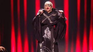 مادونا خلال عرض في مسابقة يوروفيجن الغنائية عام 2019 (Screencapture/YouTube)