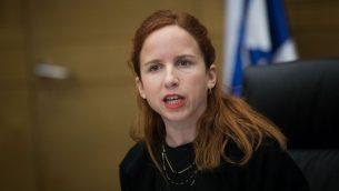 عضو الكنيست من المعسكر الصهيوني ستاف شافير في الكنيست، 13 فبراير 2019 (Yonatan Sindel/Flash90)