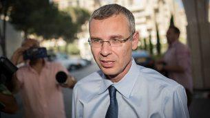 وزير السياحة ياريف لفين يصل لقاء حزب الليكود في القدس، 28 مايو 2019 (Yonatan Sindel/Flash90)