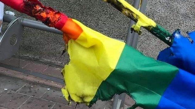 اعلام فخر مصلي تم احراقها في رمات غان 2 يونيو 2019 (Facebook)