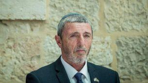 وزير التعليم رافي بيريتس خلال مراسيم تنصيبه في وزارة التعليم في القدس، 26 يونيو 2019 (Yonatan Sindel/Flash90)