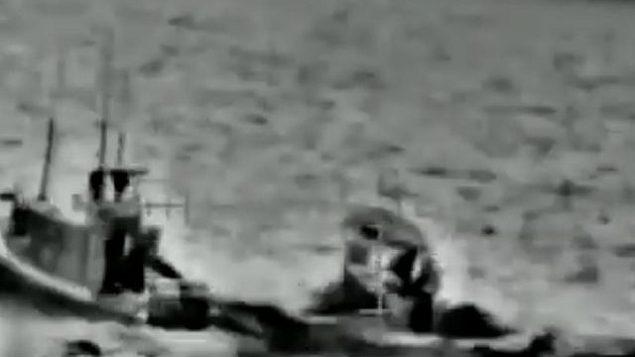 عملية إسرائيلية لاعتراض قاربين من غزة، 11 مايو، 2019، في مقطع فيديو نشره الجيش الإسرائيلي في 7 يونيو، 2019. (screen capture: IDF)