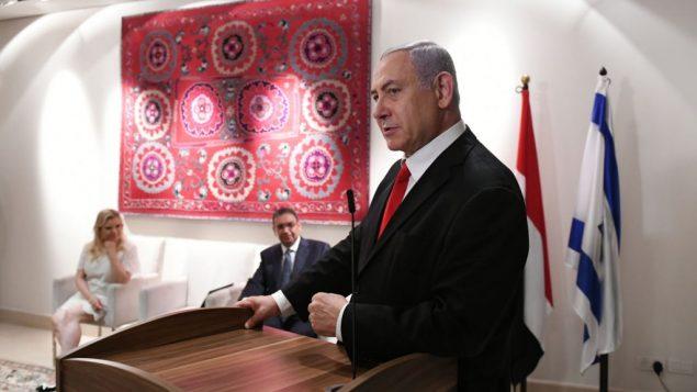 رئيس الوزراء بنيامين نتنياهو يتحدث في منزل السفير المصري في تل ابيب، 7 يوليو 2019 (Kobi Gideon/GPO)