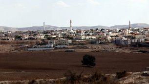 توضيحية: مدينة رهط البدوية في شمال النقب. (Yossi Zamir/Flash90)