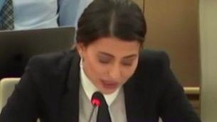 ملكة جمال العراق سابقا، سارة عيدان، خلال حديث لها أمام مجلس حقوق الانسان التابع للأمم المتحدة في 2 يوليو، 2015 في جنيف. (Screen capture: YouTube)