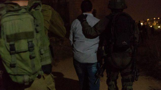 الجيش يعتقل وكلاء حماس يشتبه بهم بإدارة شبكة تحويل اموال بين قطاع غزة ورام الله، 16 يوليو 2019 (Israel Defense Forces)
