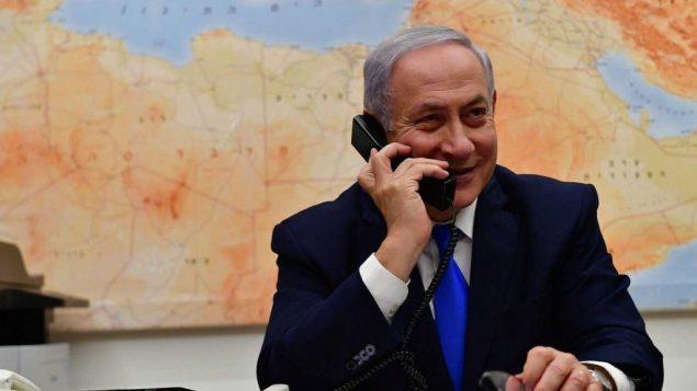 صورة توضيحية: رئيس الوزراء بنيامين نتنياهو خلال مكالمة هاتفية مع الرئيس الامريكي دونالد ترامب، 21 مارس 2019 (Kobi Gideon/GPO)
