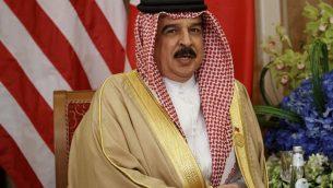 ملك البحرين، حمد بن عيسى آل خليفة، خلال لقاء مع الرئيس الأمريكي دونالد ترامب، 21 مايو، 2017، في الرياض.  (AP Photo/Evan Vucci)