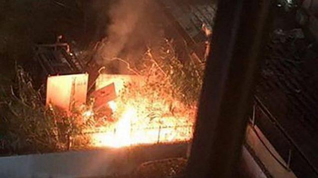 صندوقان تابعان لحزب الله احتويا بحسب تقارير على معدات تقنية مهمة وتم تدميرهما في هجوم طائرات مسيرة نُسب لإسرائيل في بيروت، 25 أغسطس، 2019. (Twitter)