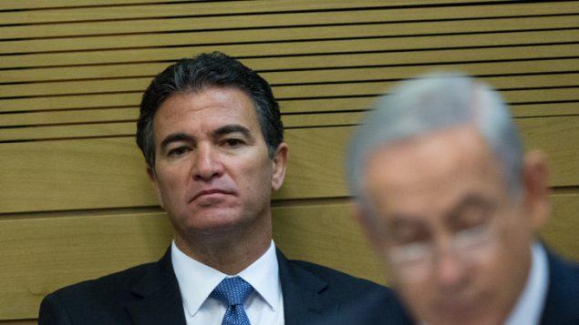 مدير الموساد يوسي كوهن خلال جلسة لجنة في الكنيست، 8 ديسمبر 2015 (Yonatan Sindel/Flash90)
