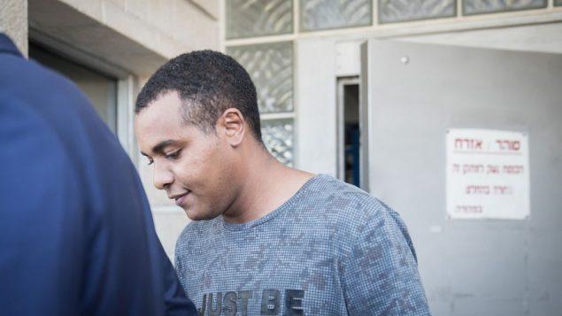 يونتان هيلو يغادر سجن شارون، 23 يوليو 2018 (Hadas Parush/Flash90)