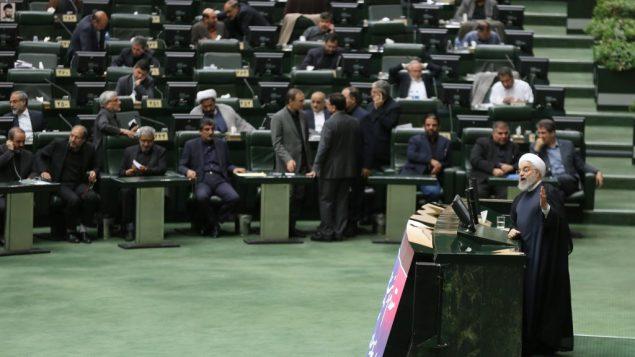 الرئيس الإيراني حسن روحاني يخاطب البرلمان في طهران، 3 سبتمبر 2019 (ATTA KENARE/AFP)