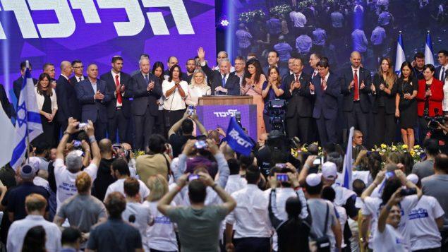 رئيس الوزراء بنيامين نتنياهو يخاطب انصاره في مقر حزب الليكود الانتخابي، 18 سبتمبر 2019 (JACK GUEZ / AFP)