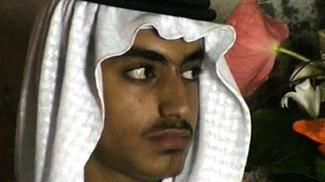 صورة شاشة من فيديو نشرته وكالة المخابرات المركزية الامريكية في 1 نوفمبر 2017، يظهر حمزة بن لادن خلال زفافه (CIA via AP, File)