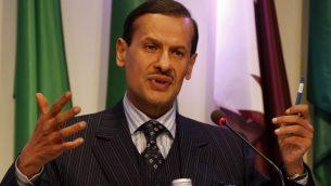 عبد العزيز من سلمان خلال مؤتمر صحفي بعد جلسة لمنظمة أوبك في مقرها بفيينا، 14 اكتوبر 2010 (AP/Ronald Zak)